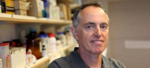 Dr. Poul Sorensen (MD'84, MedRes'87, PhD'90) receives Bloom Burton Award for innovative cancer research